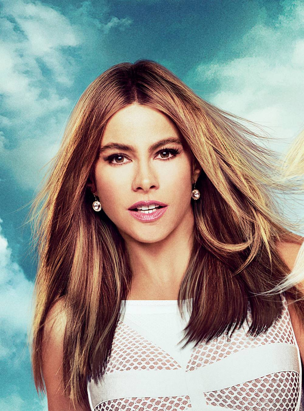 Sofia vergara is 10 10 pictures to pin on pinterest